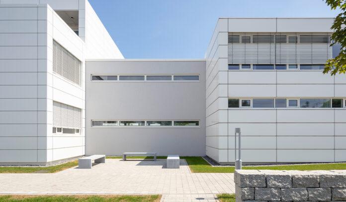 geis-brantner-johannes-klorer-architekt-freiburg-projekt-kirchliches-rechenzentrum-0
